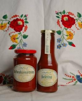 Organic tomato concentrate