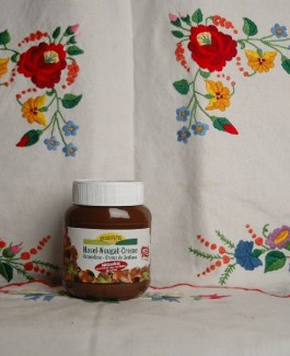 Organic nougat cream